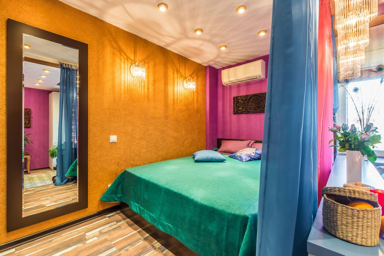 Silk Plaster спалня ярки стени